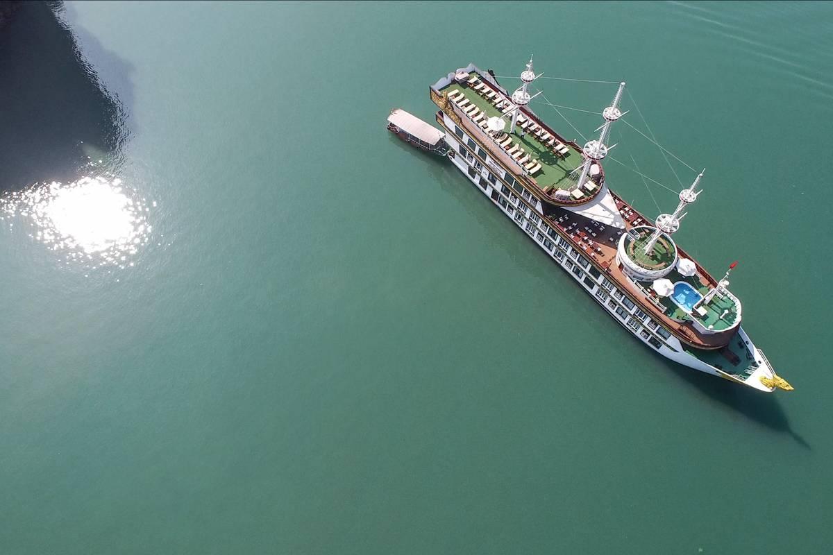 Halong Bay- Dragon Legend cruise